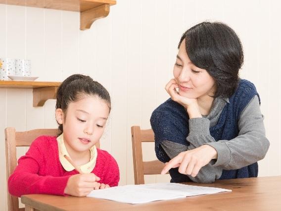 「小学校の英語教育早期化」に対する保護者の本音とは!のアイキャッチ画像
